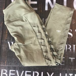 Alo Olive Green Cropped Leggings